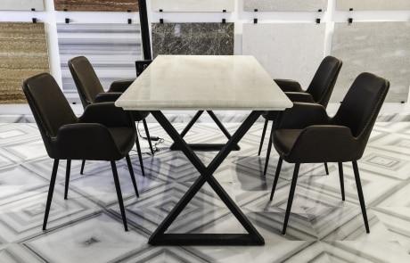 שולחן מלבני משיש לבן