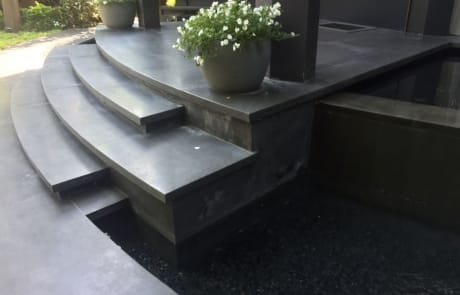 מדרגות חוץ בזלת